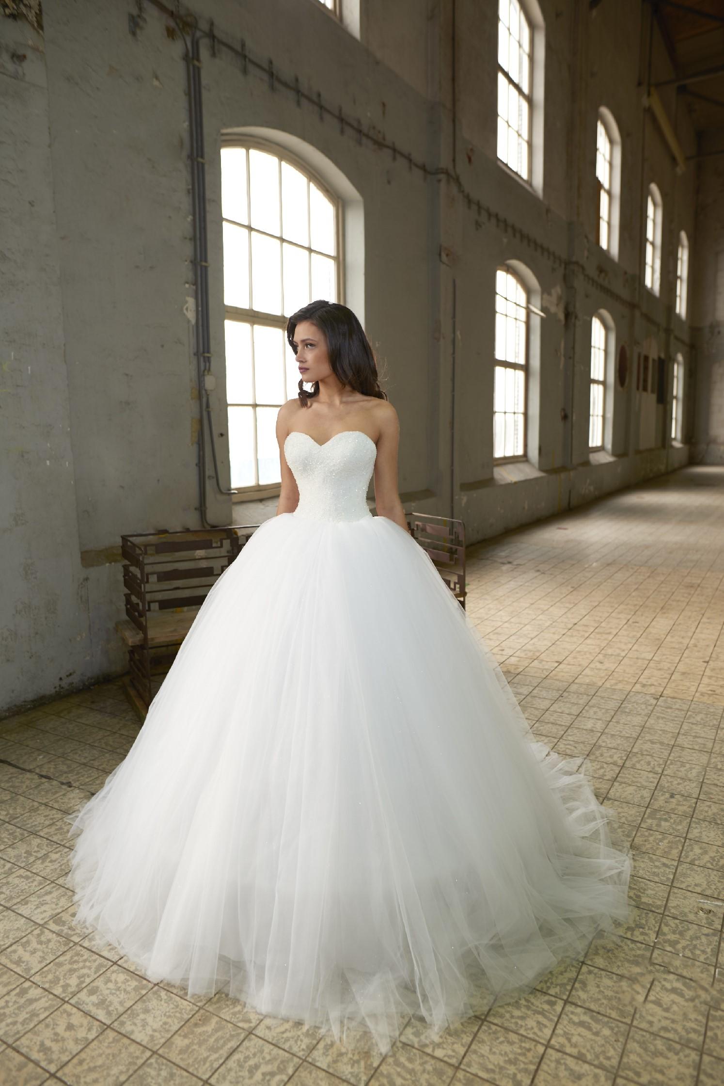 Crystalline bridals adara abiti da sposa il giardino - Il giardino della sposa ...