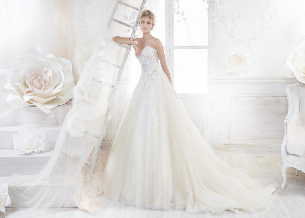Colet 18250 abiti da sposa il giardino della sposa - Il giardino della sposa ...