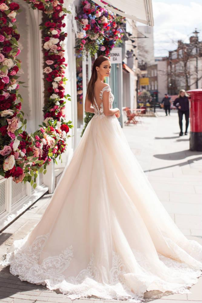 Abito da sposa modello principesco il giardino della sposa - Il giardino della sposa ...