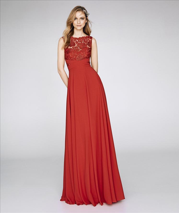 Abito da cerimonia modello 8329 St.Patrick by Pronovias Fashion Group.  Categorie  Abiti da cerimonia ... 5b86454dbd5