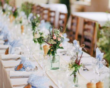 Tavola matrimonio con fiori
